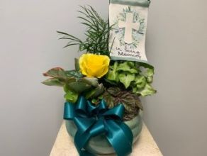 Planter: with Keepsake Memory Flag